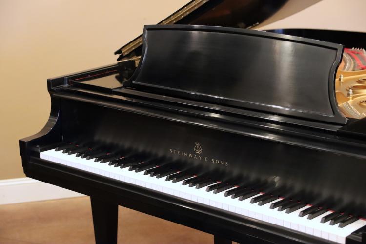2004 Steinway model L - keyboard